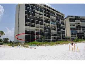 End Unit includes a extra Window providing this unit an additional view of the beach.